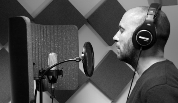 microphones in the studio for singers
